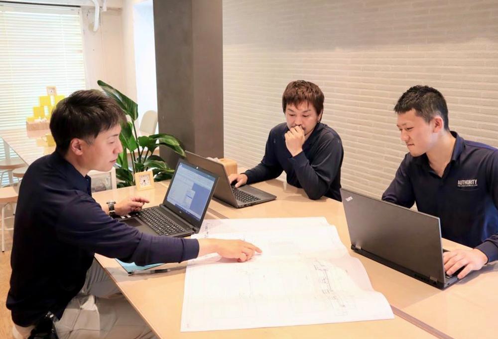 オーソリティー空調では、職人さんたちも様々な試験を受けながら、日々専門知識を深めている環境があります。