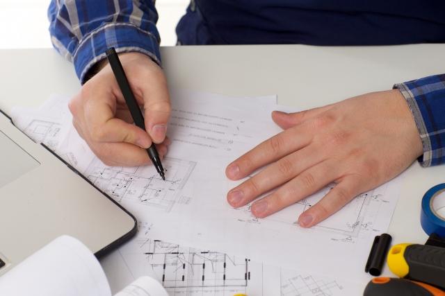 取り付け工事に必要な資格はあるか確認する