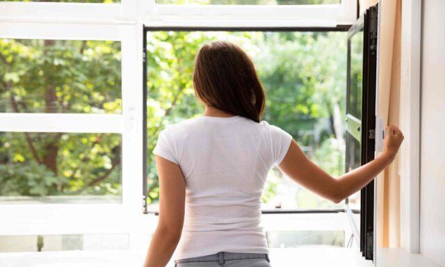 【上手に室内換気できていますか?】効果的な換気方法を解説!